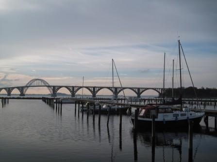 Blick Kalvehave auf Møn-Brücke November 2014
