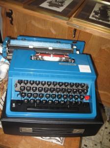 Brauchte ich unbedingt für meine Schreibwerkstatt. Vor allem wegen der schönen Tasten unten rechts.