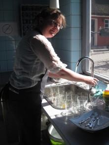 Der Abwasch macht sich nicht allein (und ja, wir haben eine Spülmaschine).