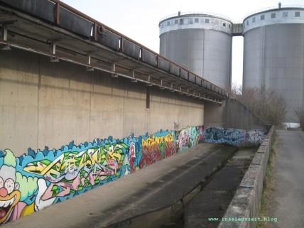 Industriefarben: alte Zuckerfabrik in Lendemarke