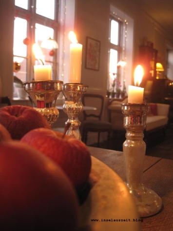 Grundtvig Skyerne gråner dänisches Lied übersetzt Äpfel und Kerzen