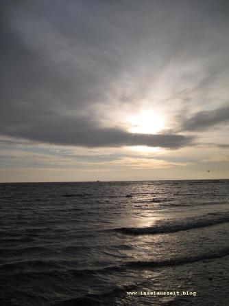 Grundtvig Skyerne gråner dänisches Lied übersetzt Meer und graue Wolken