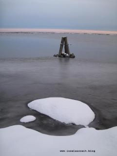 Grundtvig Skyerne gråner dänisches Lied übersetzt Sonnenuntergang Schnee graues Meer Insel Nyord