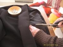 Kleid mit schwarzem Futter